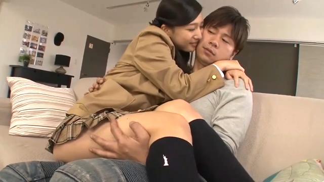 お兄ちゃん役の小田切ジュンとJK役の古川いおりの女性向けセックス動画