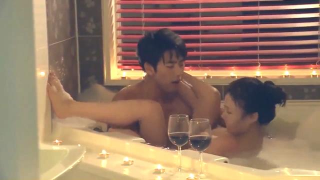 韓国の泡風呂アダルト動画