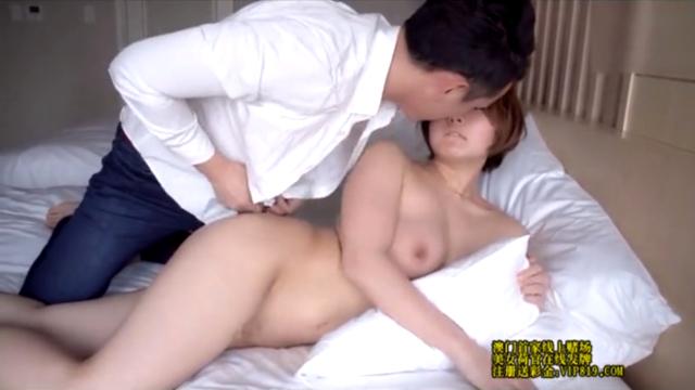 S-Cute美女と市川潤の無料アダルト動画